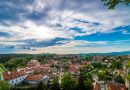 Bývať v meste či na dedine - výhody a nevýhody